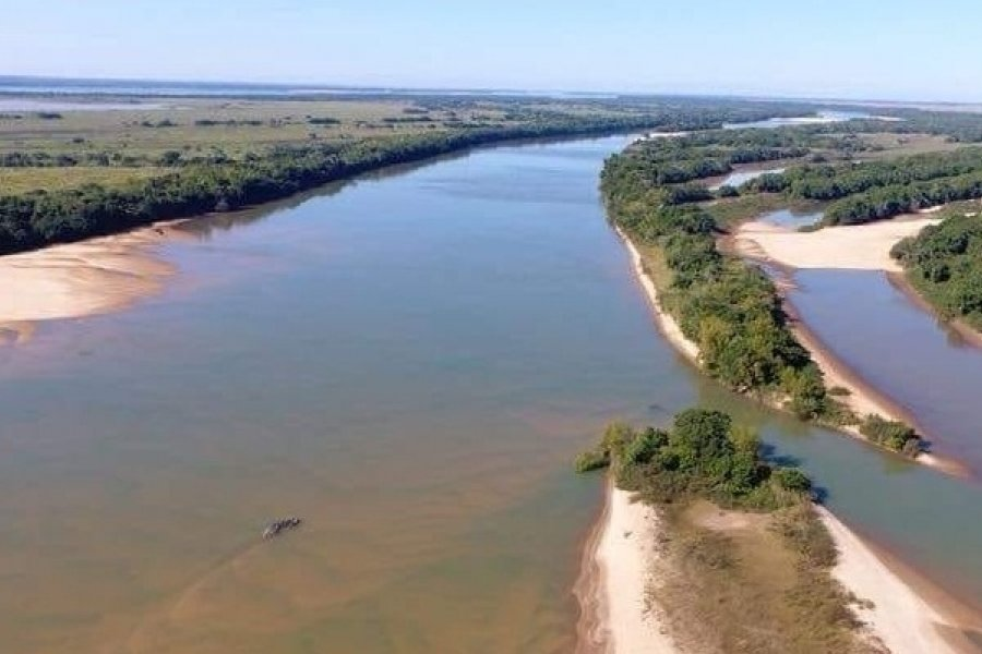 Preocupa la bajante del río Paraná y la escasez de combustible en la provincia