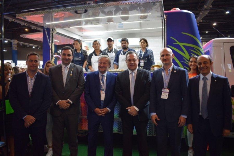 La red de Cocineros del Iberá estrenó Food Truck en la Feria Internacional de Turismo