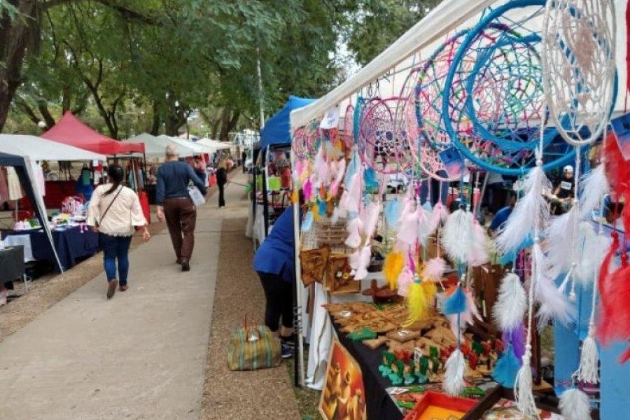 Se realiza la Feria de Artesanos y Emprendedores