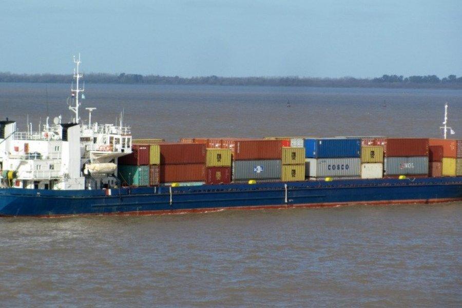 Tras conflicto por carga con desperdicio, regresa a Paraguay buque retenido en jurisdicción de Corrientes