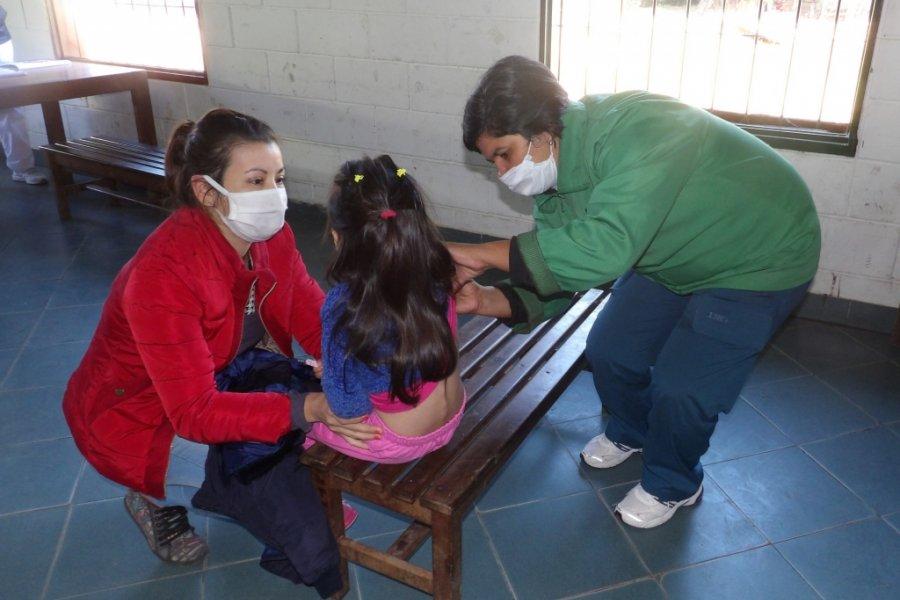 Corrientes: La campaña de vacunación continúa en los barrios de la capital y del interior