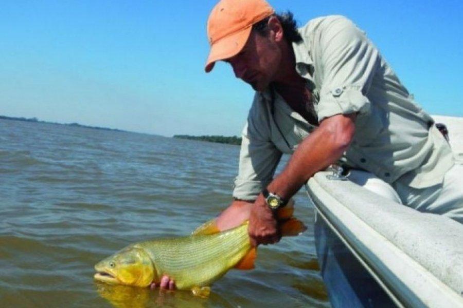 En Corrientes está permitida la pesca deportiva pero sólo con devolución