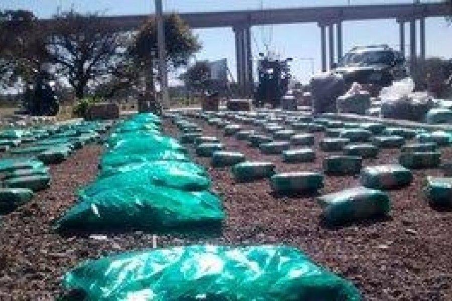Abrieron 42 encomiendas y hallaron más de 400 kilos de hojas de coca