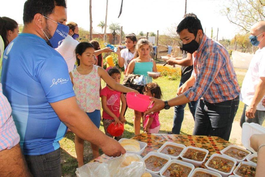 Desarrollo social distribuyó alimentos y mantas en el barrio Esperanza