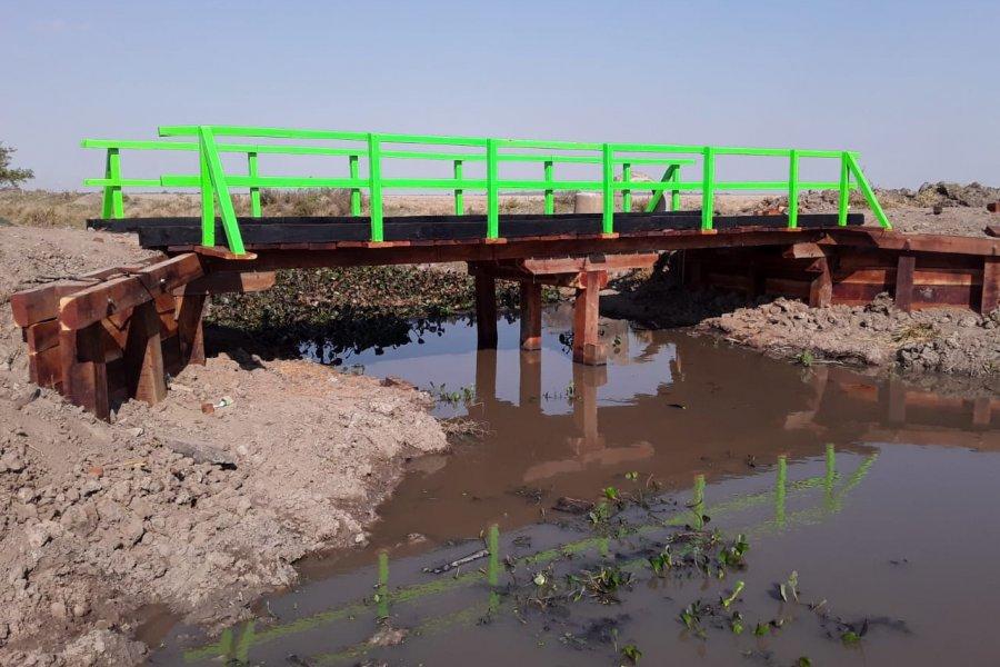 Construyeron un puente entre paraje Carbajal y Herlitzka