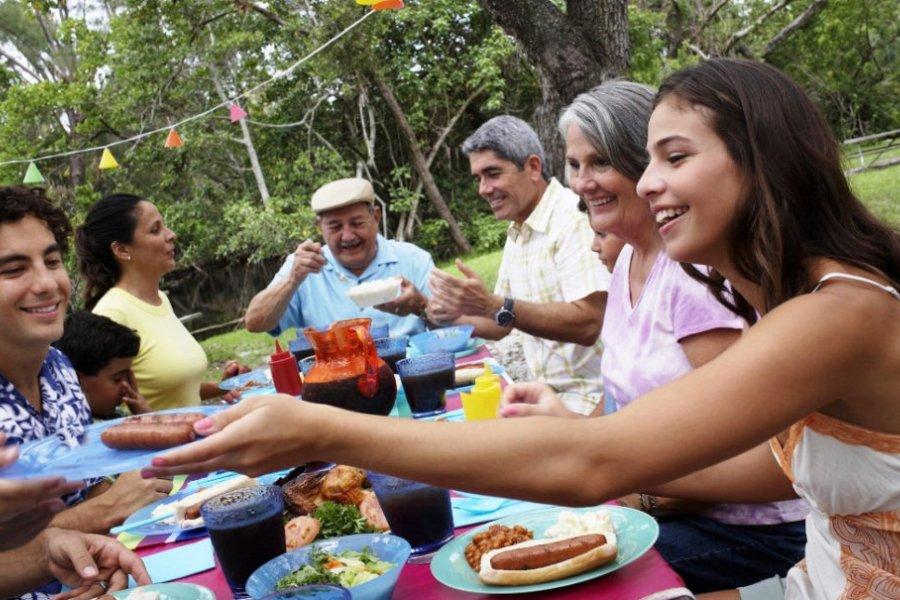 Corrientes da marcha atrás y acatará la prohibición de reuniones sociales y familiares