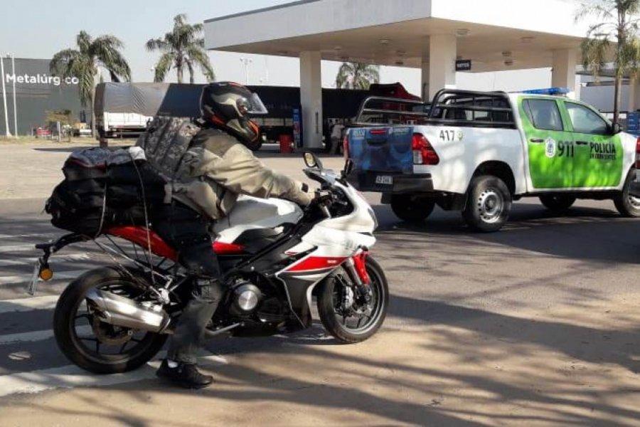 San Cosme: Aislaron a un motoquero que llegó desde Buenos Aires