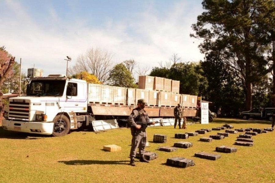 Misiones: Transportista brasilero es detenido con 760 kilos de marihuana ocultos en su camión