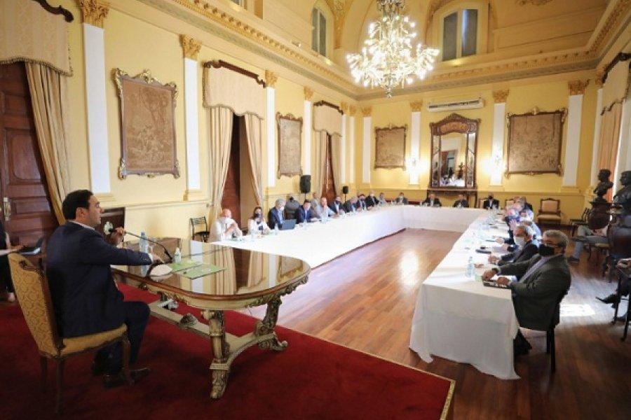 Valdés se reunió con todos los ministros de su Gabinete