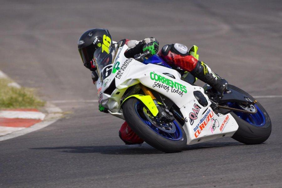 Emanuel Aguilar sueña con la cima del podio nacional en el Súper Bike