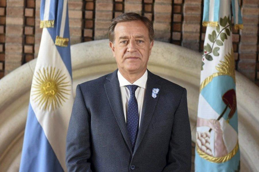 El gobernador Suarez presentó un proyecto para reformar la Constitución provincial