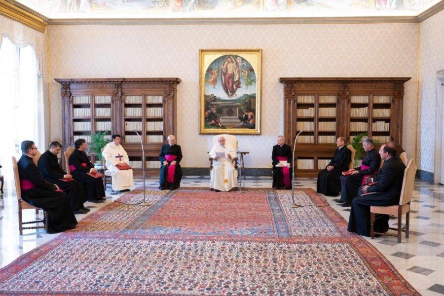 El papa Francisco pidió despertar ante la injusticia mundial