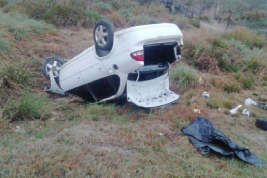 Corrientes: Conductor quedó dormido y volcó
