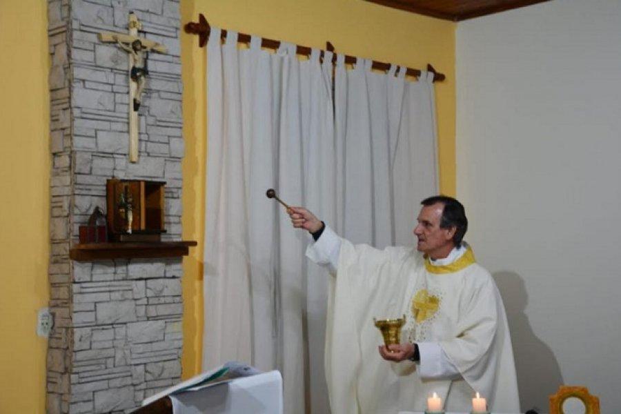 Obispo Canecin bendijo oratorio en una escuela parroquial