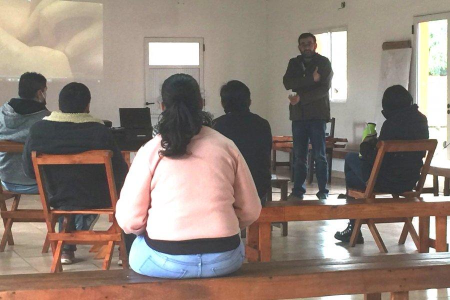 Capacitaron a médicos, enfermeros y agentes sanitarios de Isla Apipé