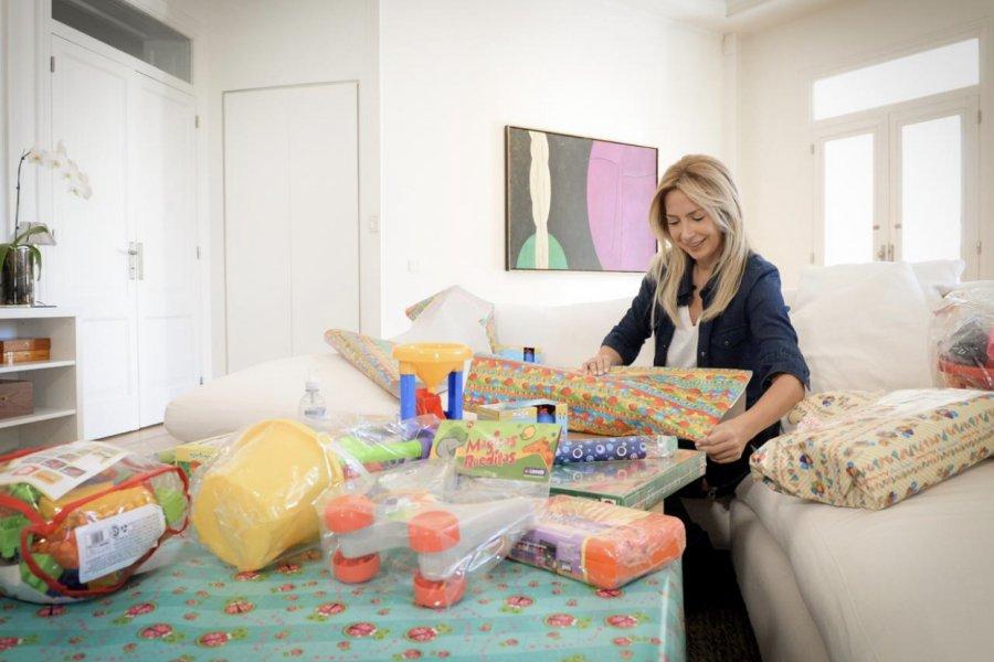 La primera Dama, Fabiola Yañez, entregó juguetes en Hospitales y merenderos