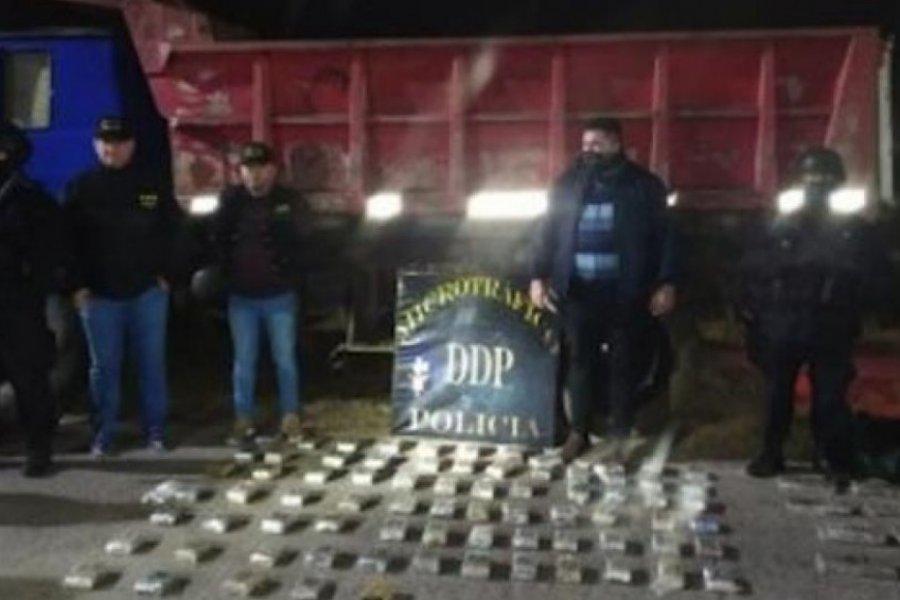 Correntinos transportaban marihuana en las cubiertas de un camión