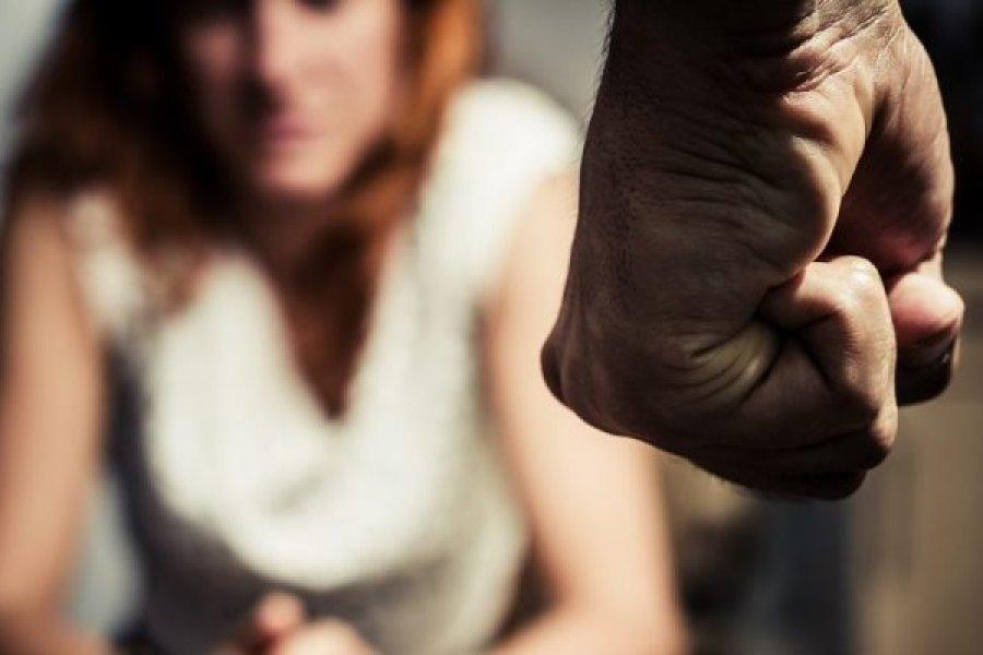 Cada 22 horas una mujer llamó a la línea 144 para denunciar que fue atacada o amenazada
