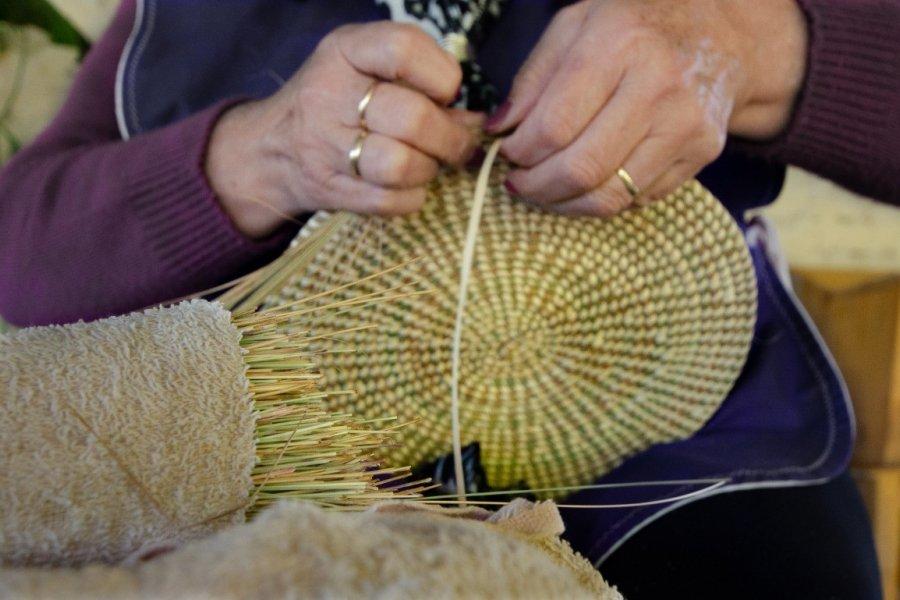 Taller de diseño y armado de muñecas artesanales en Concepción del Yaguareté Corá