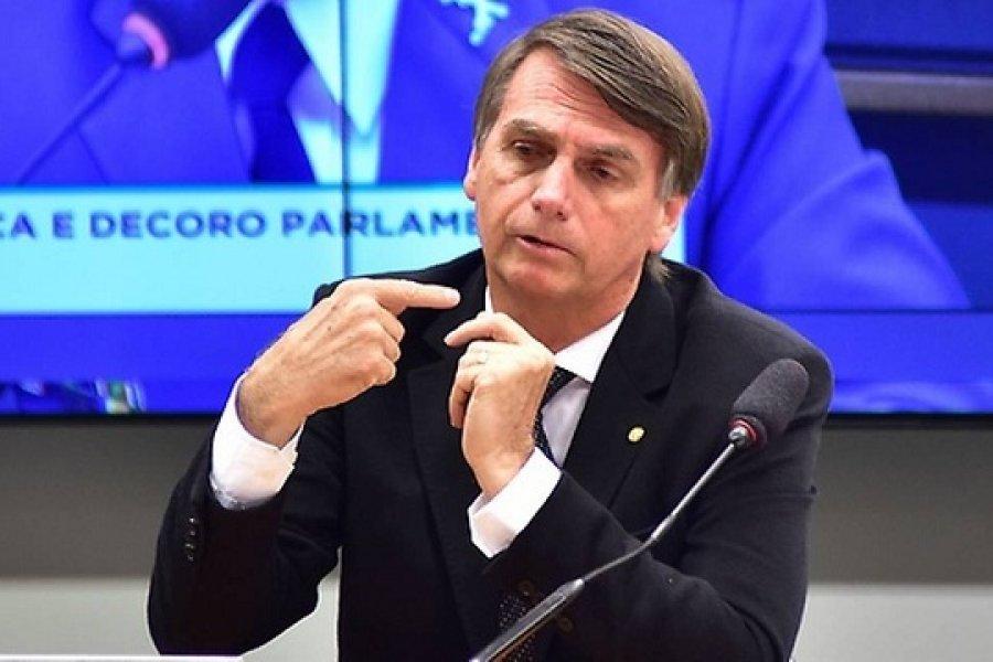 Bolsonaro amenaza a un periodista con llenarle la boca de puñetazos