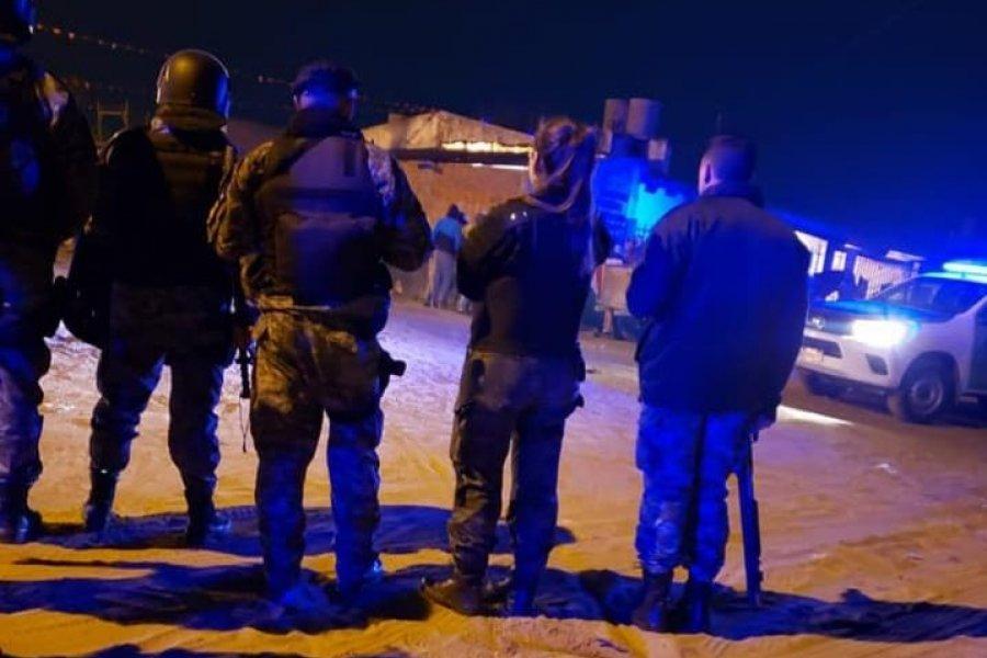 La policía interrumpió una fiesta clandestina en Goya