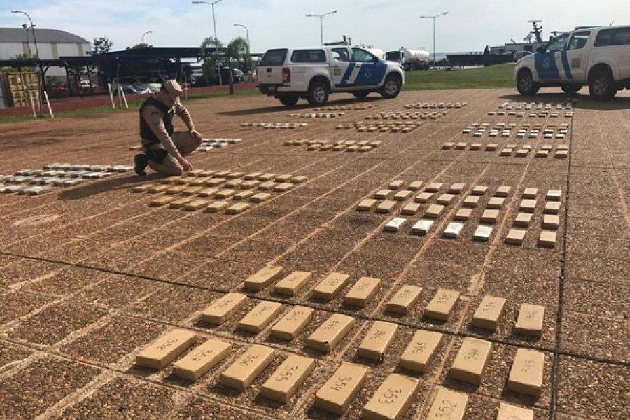 Corrientes: Secuestran al menos unos 8 mil kilos de marihuana de un camión cisterna