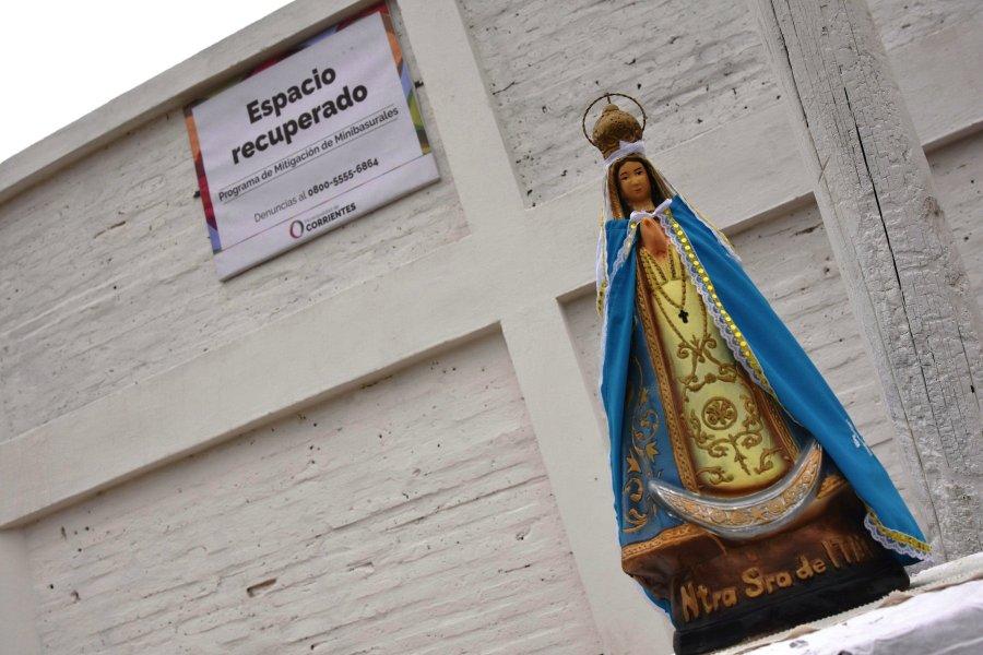 Inauguraron una glorieta de la Virgen donde antes había un basural