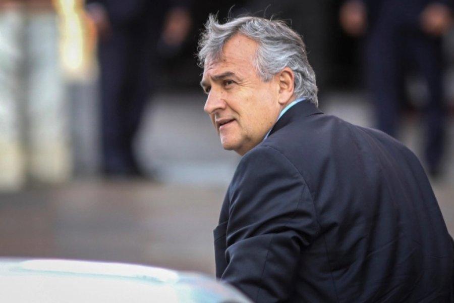 Gerardo Morales amenaza con multar al personal de salud