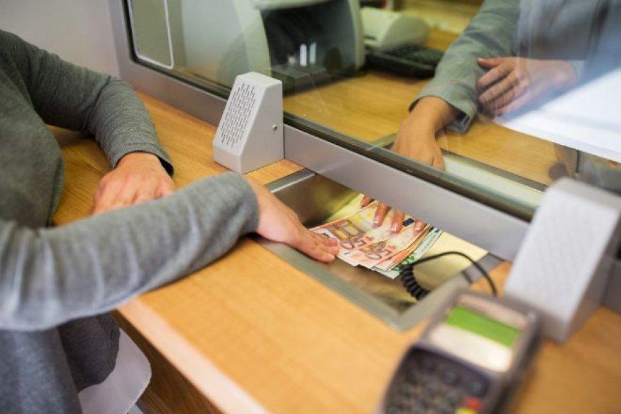 Un empleado bancario habría contraído Coronavirus