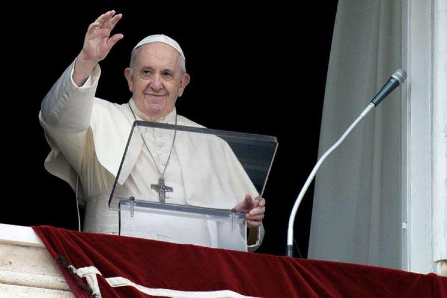Papa Francisco: El chismorreo es una peste peor al COVID
