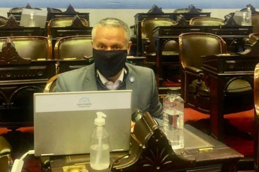 Tiene coronavirus un diputado que rechazó las sesiones virtuales y participó de las marchas