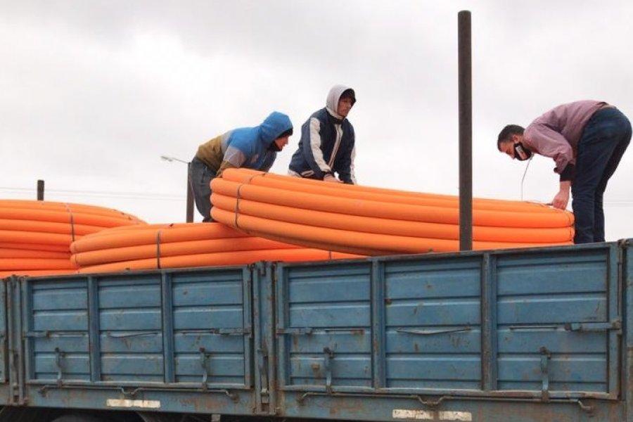 Llegaron al parque industrial los caños para las conexiones de gas natural