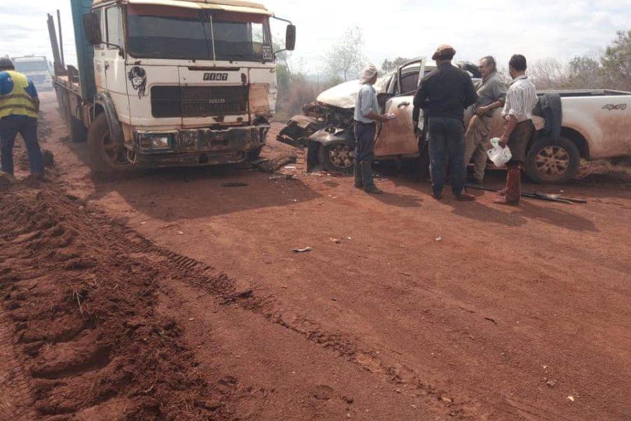 Quema de pastizales provocó un grave accidente entre dos vehículos