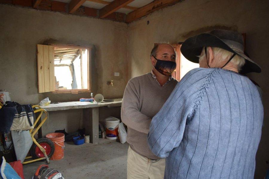 La Municipalidad reconstruye una vivienda arrasada por el fuego