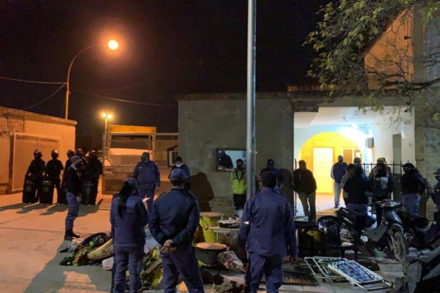 Detuvieron al dirigente social Raúl Castells y a otras dos personas por la toma del corralón municipal