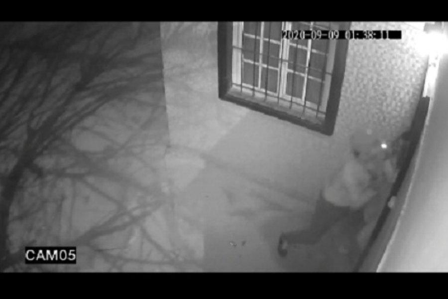 Detuvieron a ladrón que acorraló y robó a una joven en el barrio Pirayuí