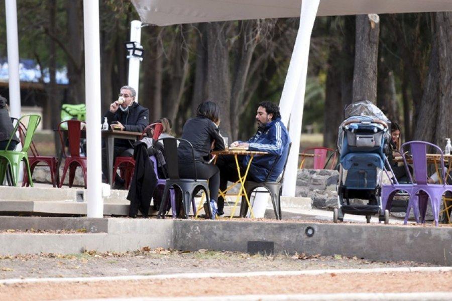 Capital habilita espacios públicos para locales gastronómicos