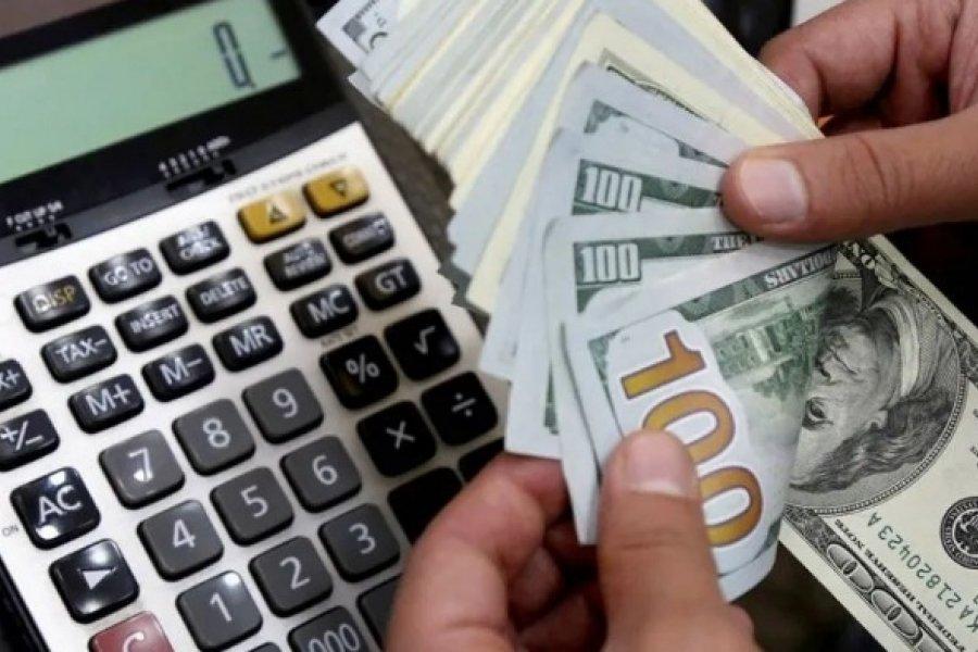 Los bancos de la provincia y el país suspendieron la venta de dólares