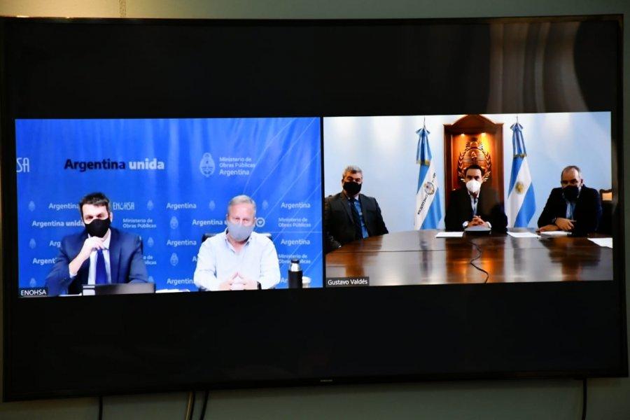 Valdés firmó un convenio con Nación para obras hídricas y de saneamiento