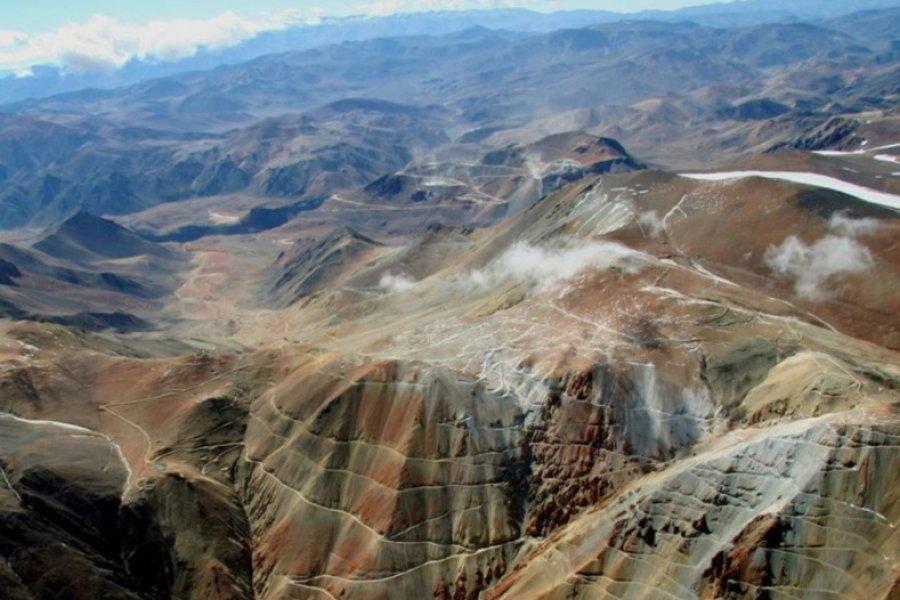 La justicia ordenó el cierre del megaproyecto minero Pascua Lama por daño ambiental