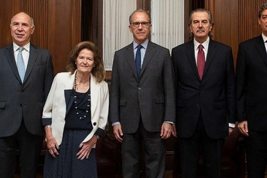 Intrigas en la Corte, la nueva servilleta K y consenso por los jubilados