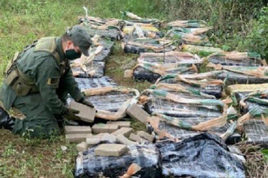 Misiones: Hallan más de 665 kilos de marihuana ocultos en la maleza del monte