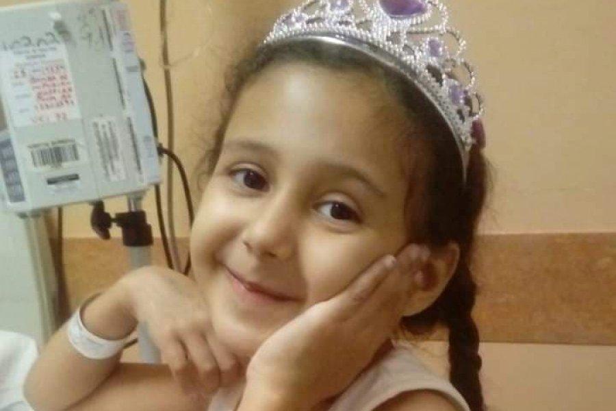 Todos por Lucy: Realizan clases de maquillaje a beneficio de la nena que padece leucemia