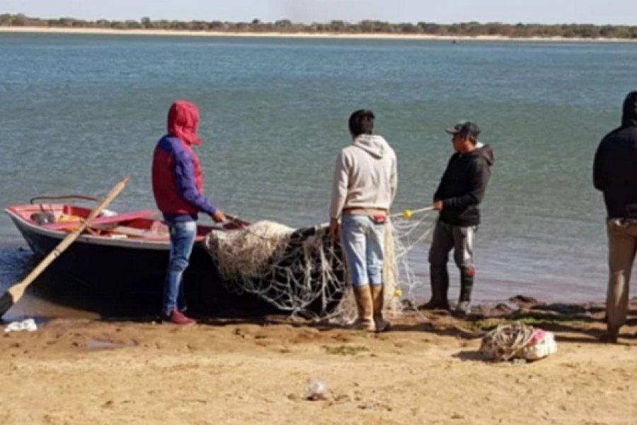 Naufragio en el Paraná: Sin pistas de los cuatro jóvenes pescadores