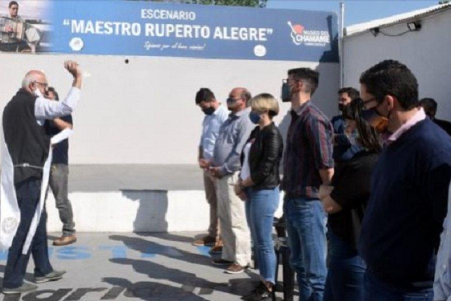 Se inauguró la muestra El Rincón de Julián, en Homenaje al padre Zini