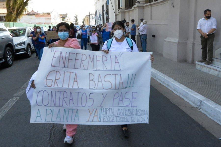 Enfermeros marcharon para exigir mejoras salariales y laborales