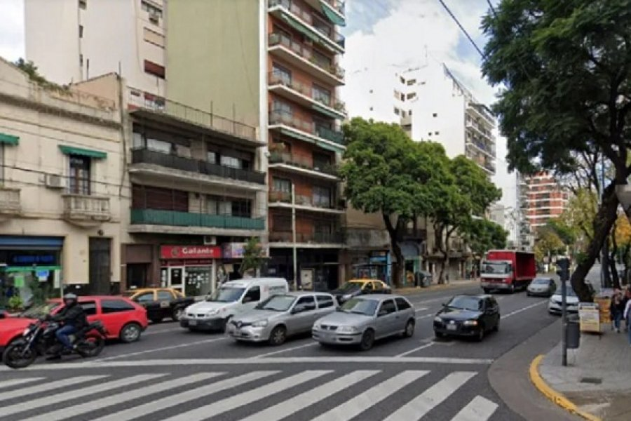 Quisieron secuestrar a la novia del periodista deportivo Gastón Edul: se tiró de un taxi en movimiento