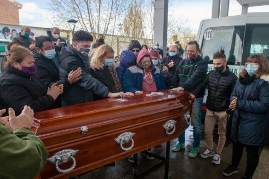 Conmovedora despedida al médico correntino fallecido en Río Gallegos