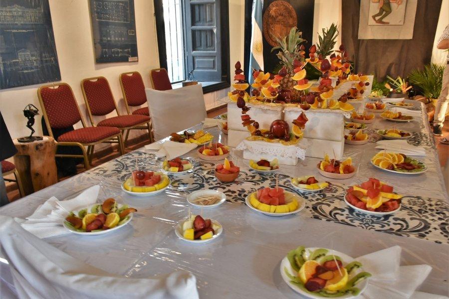 Con platos típicos y música chamamecera se recibió al Karaí octubre