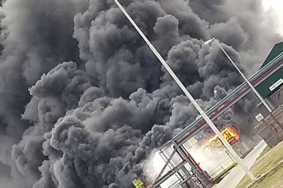 Se incendia en Villa María la planta de bioetanol de ACA Bio, la más grande de Argentina